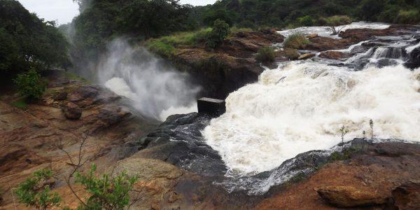 Hiking_Murchison_falls